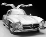 Der 300 SL. Super-Sportwagen zum Super Preis: Für 2,3 S-Klassen gibt gibt es einen SL.