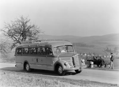 Die ersten Busse nach dem Krieg erwecken die Reiselust in Deutschland