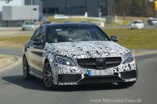 Ähnlich aggressiv wie das Facelift des E63 AMG und des ganz neuen S63-Coupe AMG wird auch die Front des C63 AMG aussehen.