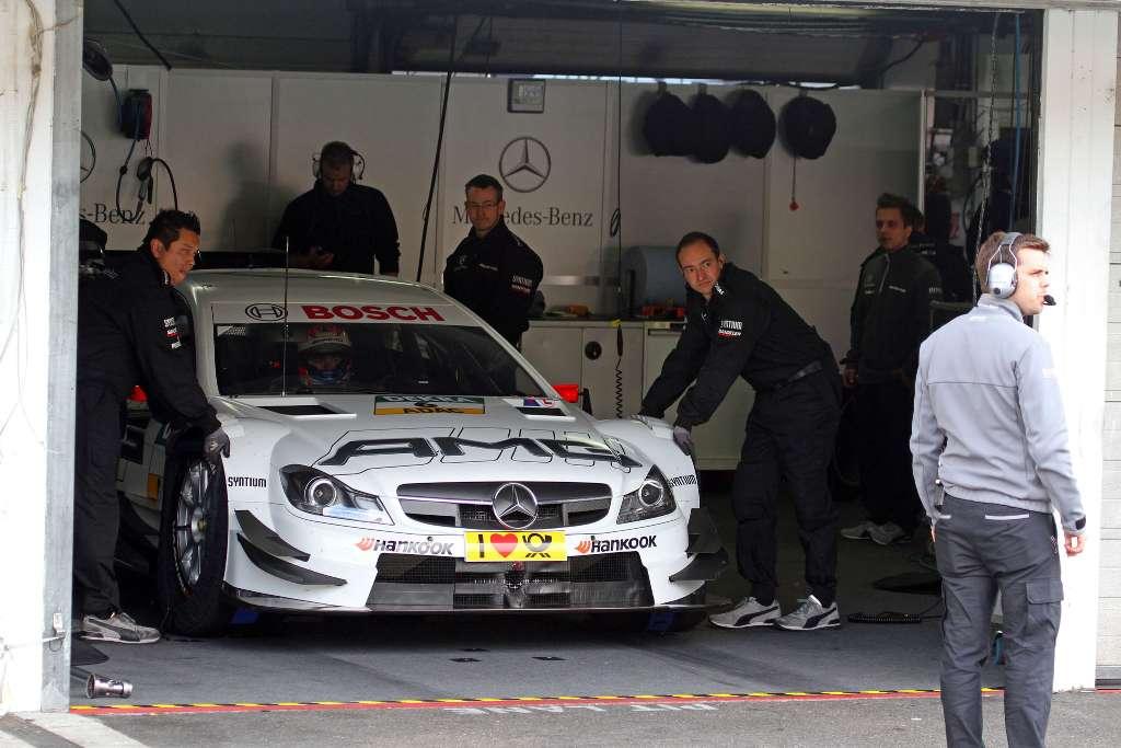 Für die Teilnehmer des Springbreak - Abschlusses am Hockenheimring: So sieht die Box also aus, wenn AMG da schraubt...