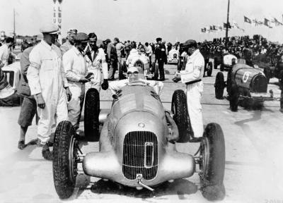 Start zum Internationalen Eifelrennen auf dem Nürburgring, 3. Juni 1934