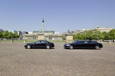 """Der Größenvergleich bei der Vorgänger S-Klasse (W221) ist schon beeindruckend - der Pullmann und die """"normale"""" S-Klasse"""