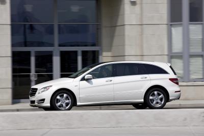 Wer schon lange keine R-Klasse mehr gesehen hat: Hier ein R 350, Modelljahr 2010 (Bild: Daimler AG)