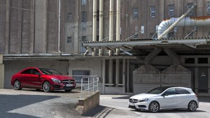 "Die A-Klasse Familie, hier CLA und A-Klasse Limousine ""läuft"" (Bild: Daimler AG)"