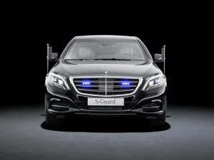 Auf der Überholspur: Alarm für S-Klasse W 222. (Bild: Daimler AG)