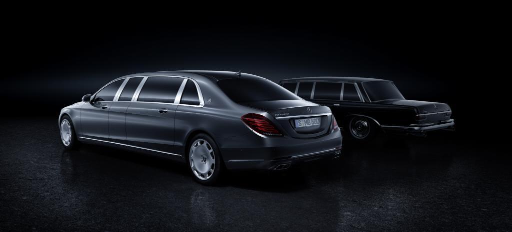 Mercedes-Maybach Pullman. Im Hintergrund die Mercedes-Benz 600 Pullman Limousine (Bild: Daimler AG)