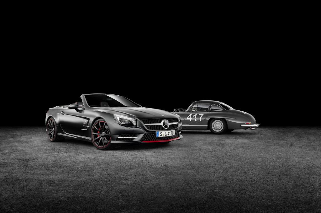 """Mercedes-Benz SL Special Edition """"Mille Miglia 417""""  mit dem historischen Vorbild (Bild: Daimler AG)"""
