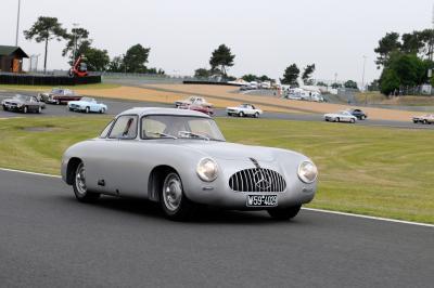 Grill-Vorlage: Der 300 SL von 1954 (Bild: Daimler AG)