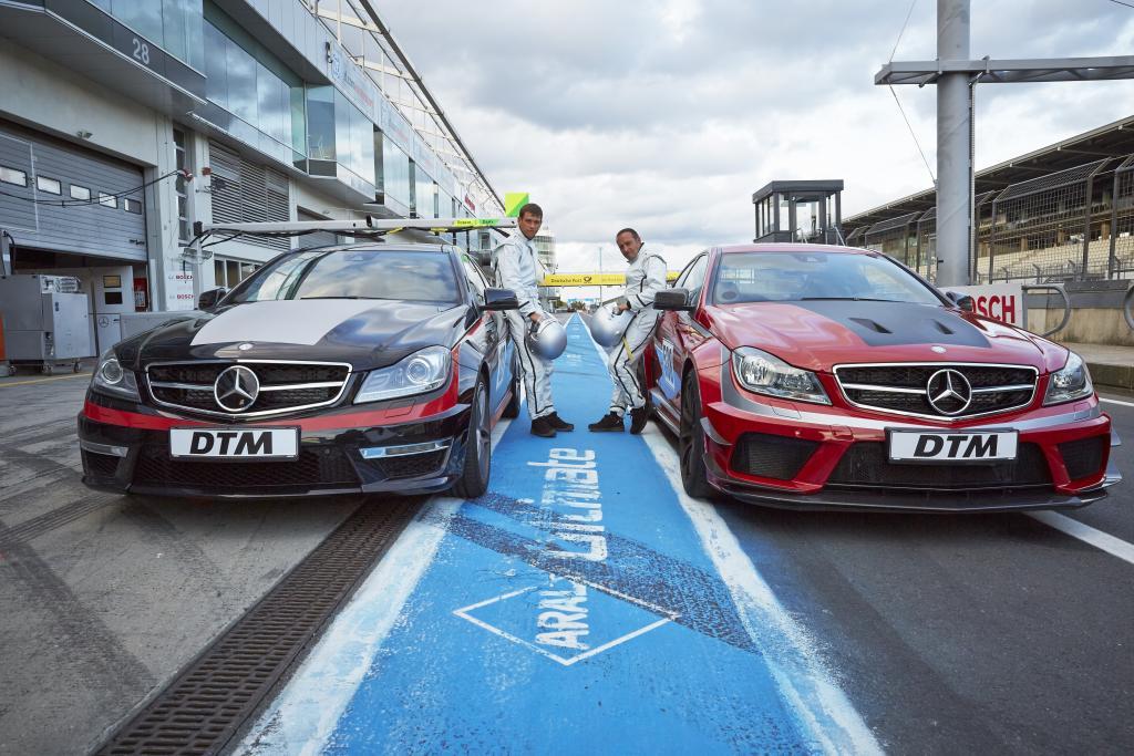 "Mercedes-Benz, Mercedes-AMG DTM Team, ""Alarm für Cobra 11"", TV, Erdogan Atalay, Vinzenz Kiefer (Bild: Daimler AG)"