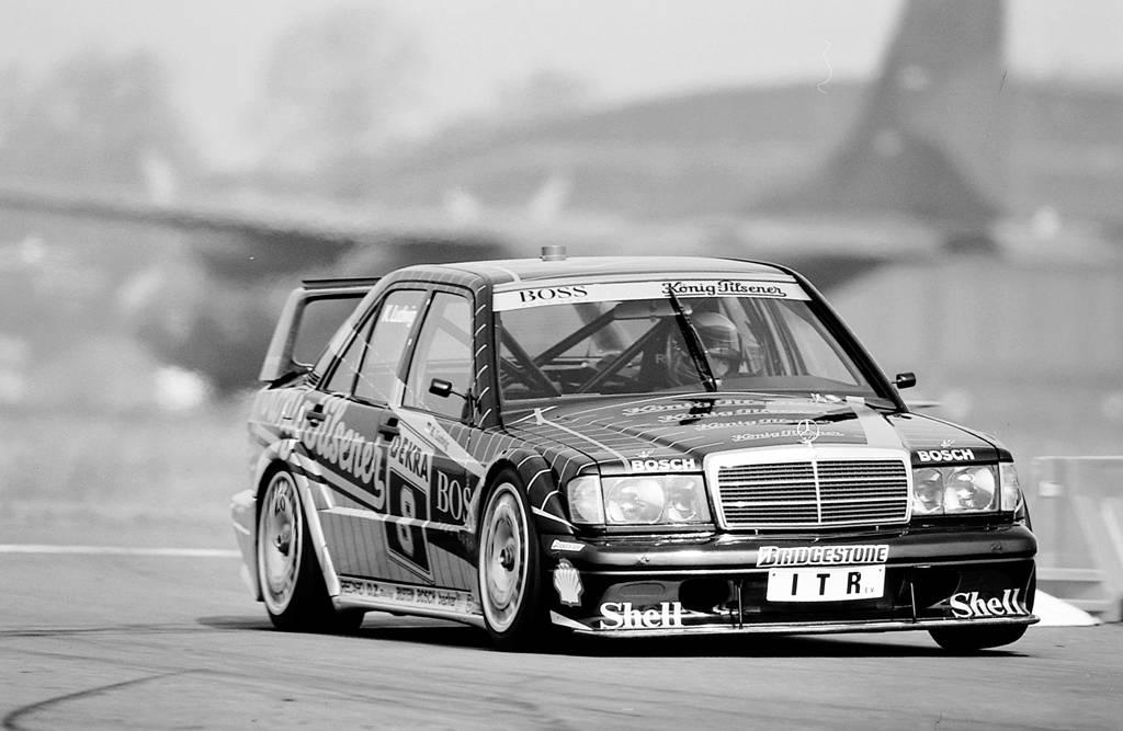 Im Renneinsatz Anfang der 1990er Jahre: Der 190 E 2.5-16 Evolution II  (Bild: Daimler AG)