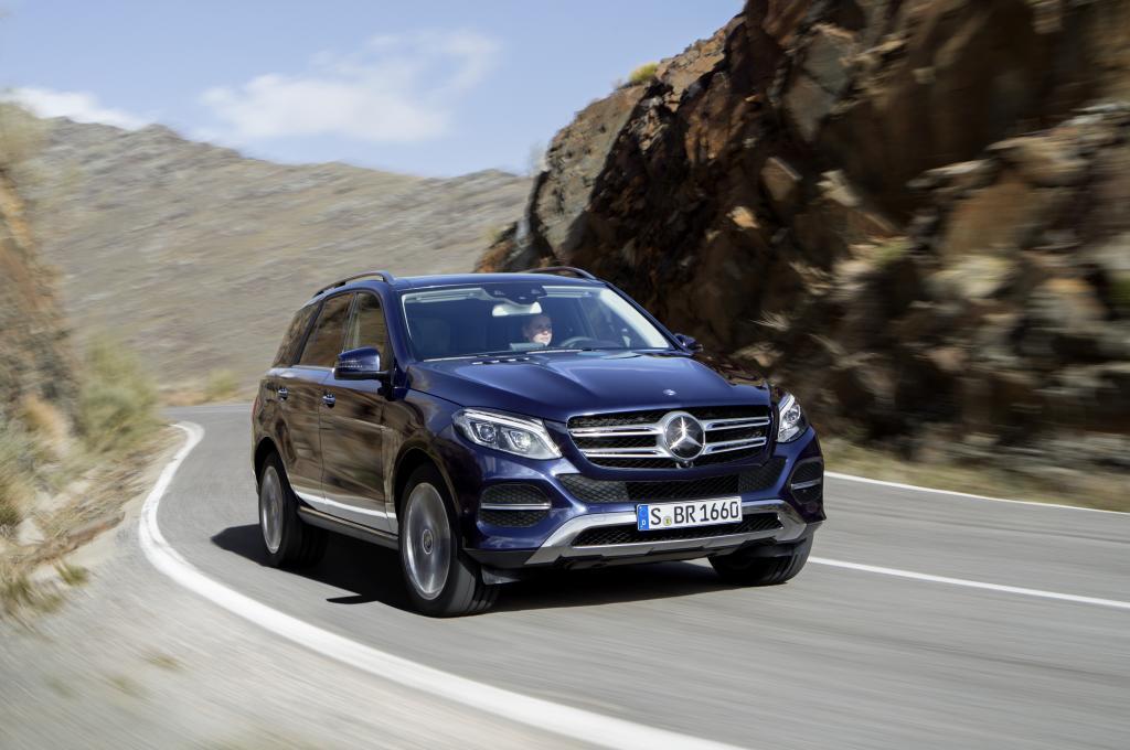 Mercedes-Benz GLE 250 d, Cavansitblau Metallic (Bild: Daimler AG)