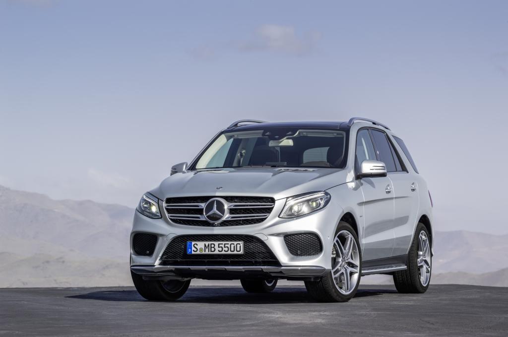 Mercedes-Benz GLE 500 e, Diamantsilber Metallic, AMG Line (Bild: Daimler AG)