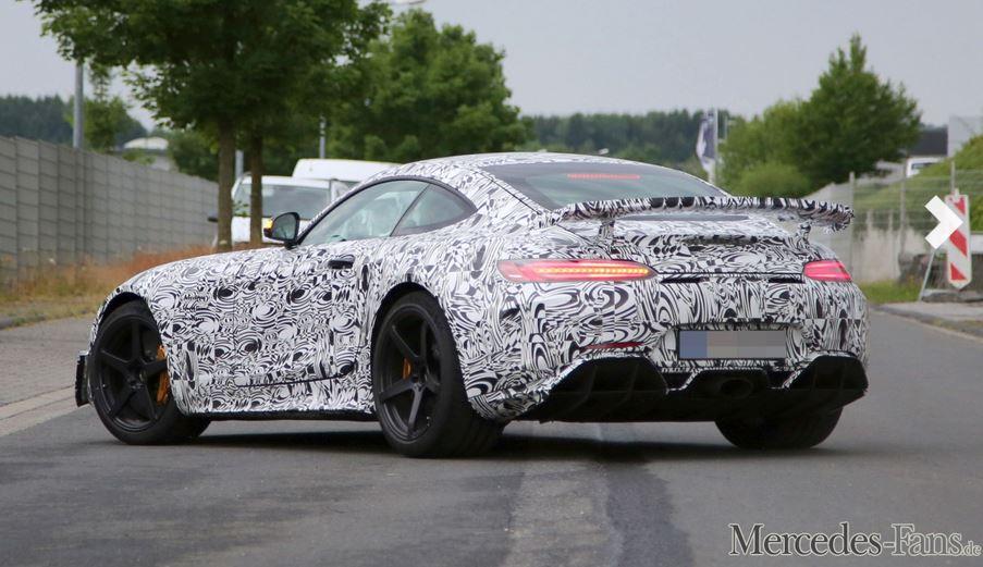 Die Straßenversion des AMG GT3 als Erlkönig (Bild: SB Medien/Mercedes-Fans.de)