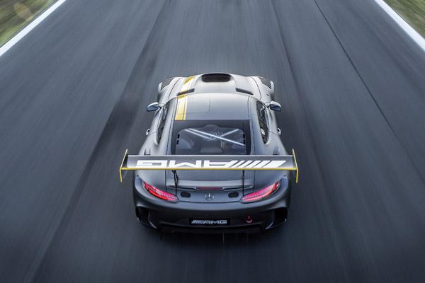Mercedes-AMG GT3, Rennversion. Man sieht deutlich, dass die Straßenversion weniger brachial sein wird (Bild: Daimler AG)