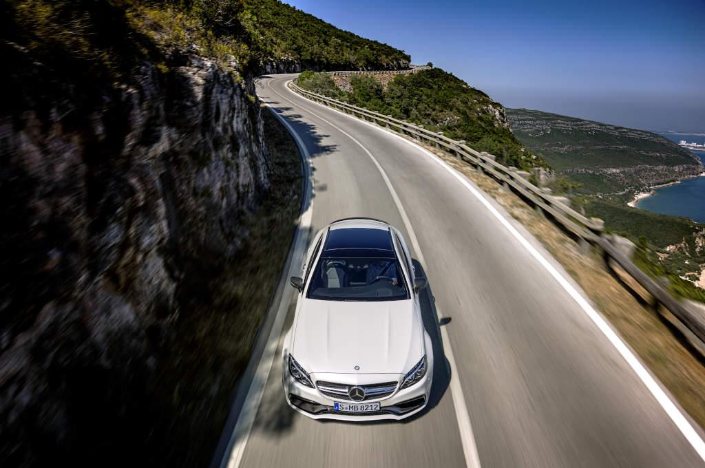 Die breiten Linien sind gut zu sehen: Mercedes-AMG C 63 Coupé (Bild: Daimler AG)