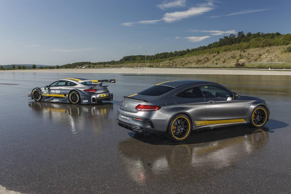 """Ein schöner Rücken... Der Rennwagen zeigt aber, dass eine """"Black Series"""" Variante des neuen Mercedes-AMG C 63 Coupés  optisch durchaus vorstellbar ist (Bild: Daimler AG)"""