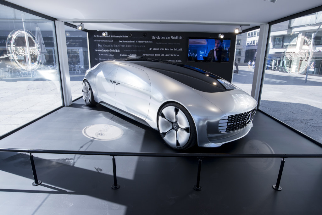 Discover me – fForschungsfahrzeug F 015 Luxury in Motion (Bild: Daimler AG)