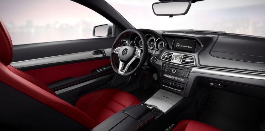 E-Klasse Cabriolet und Coupé (W212) V8 Edition, Interieur: classicrot (Bild: Daimler AG)