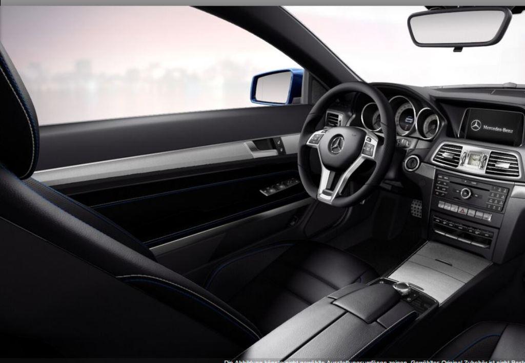 """E-Klasse Cabriolet und Coupé (W212) Sondermodell """"Sport Edition"""" mit Leder und linaritblauen Ziernähten (Bild: Daimler AG)"""