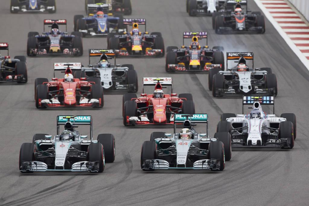 Den Mercedes Motoren sollte die Strecke in Austin in die Karten spielen (Bild: Daimler AG)