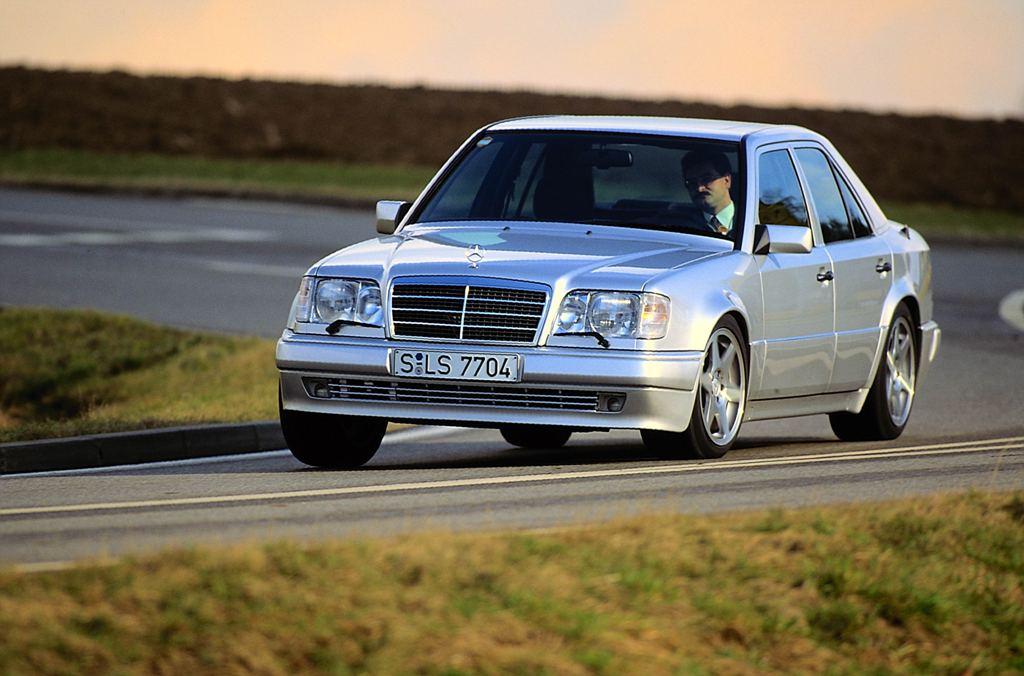 """Den """"Limited"""" 500 E gab es auch in silber (Bild: Daimler AG)"""