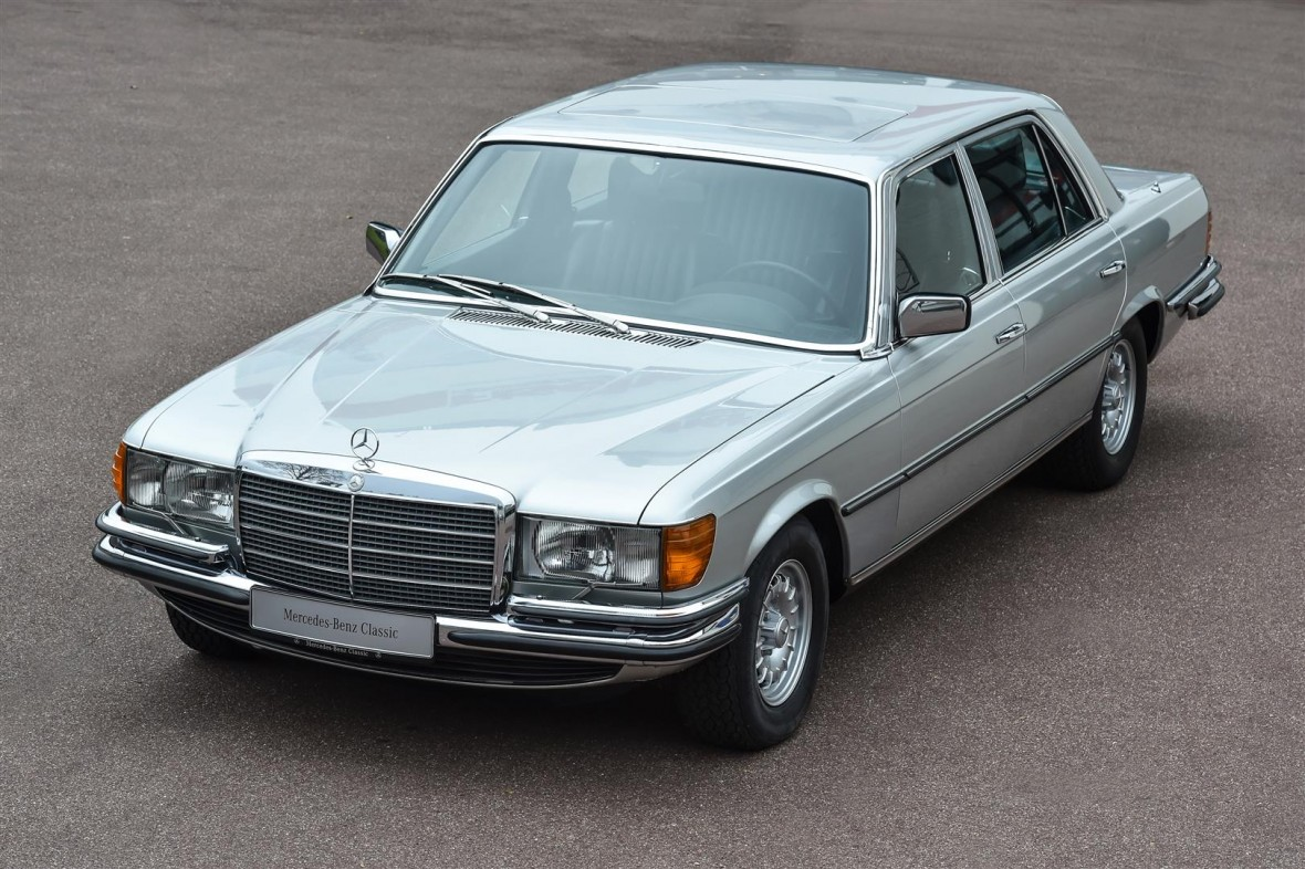 Der 450 SEL 6.9 ist das Modell mit dem größten Serienhubraum von Mercedes-Benz (Bild: Daimler AG)