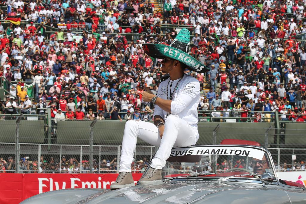 Lewis Hamilton hat in Brasilien noch nie gewonnen - er geht mit Sicherheit motiviert an den Start (Bild: Daimler AG)