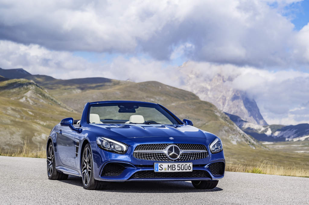 Mercedes-Benz SL 500. Brillantblau mit AMG Line (Bild: Daimler AG)