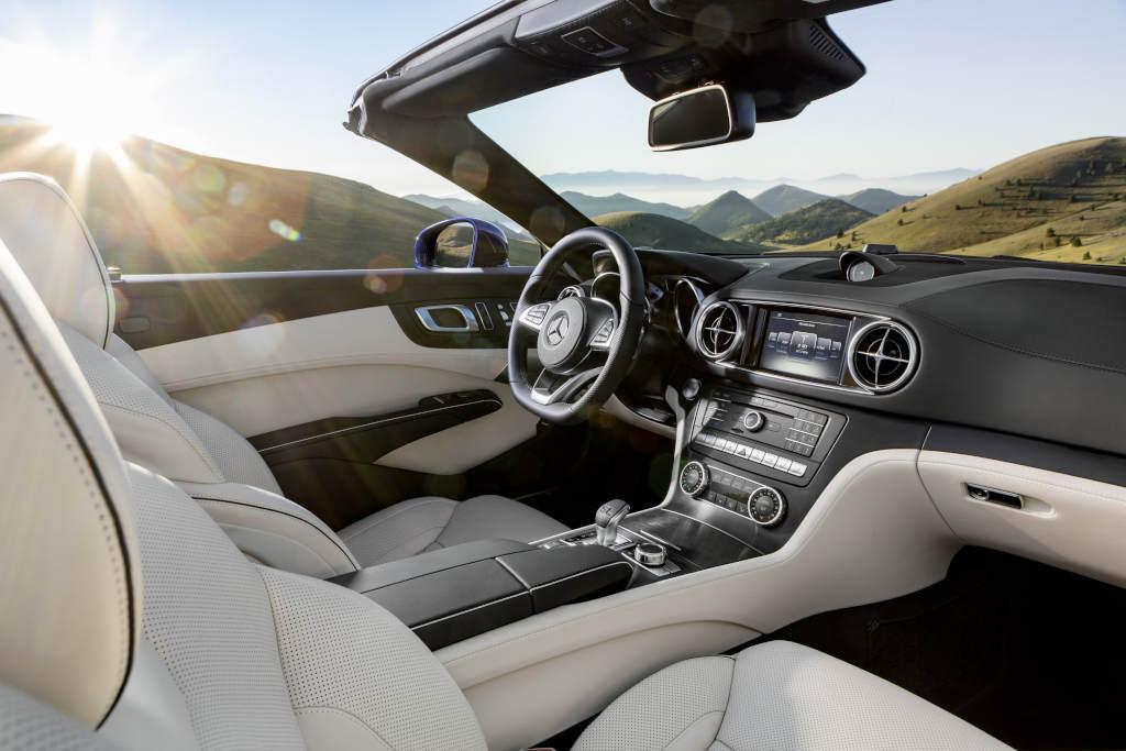 Mercedes-Benz SL. Interieur, Nappaleder porzellan / schwarz (Bild: Daimler AG)