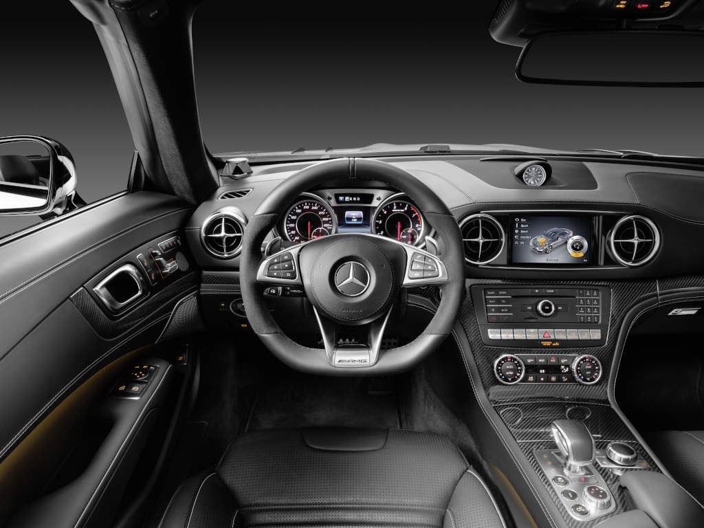 Mercedes-AMG SL 63, Polsterung: Leder schwarz, Zierteile: AMG Carbon (Bild: Daimler AG)