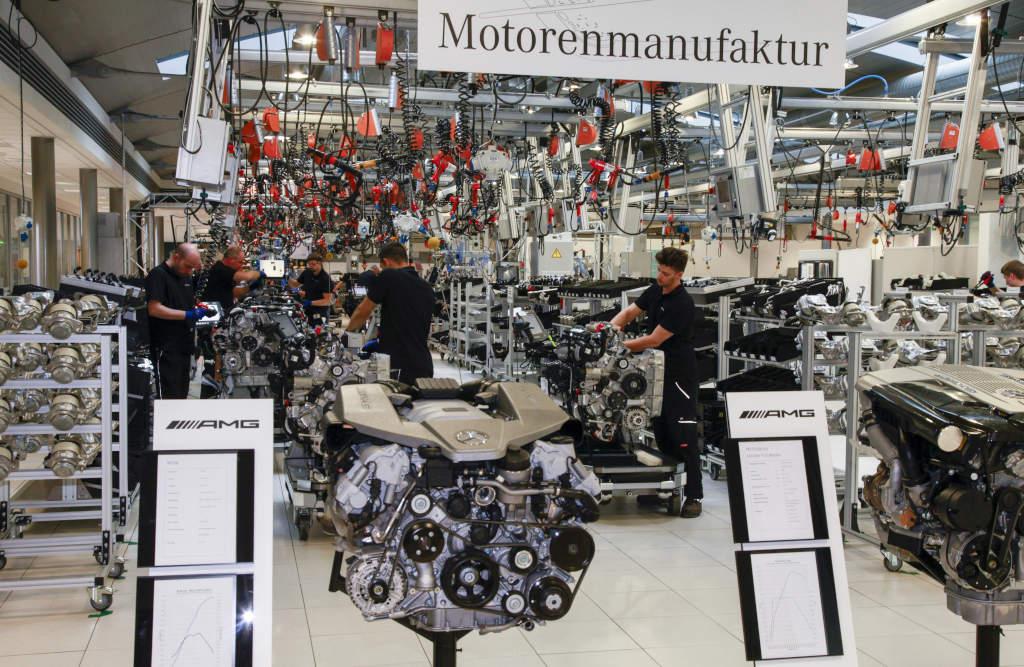 Mercedes Amg Baut 12 Zylinder Motoren K 252 Nftig In Mannheim