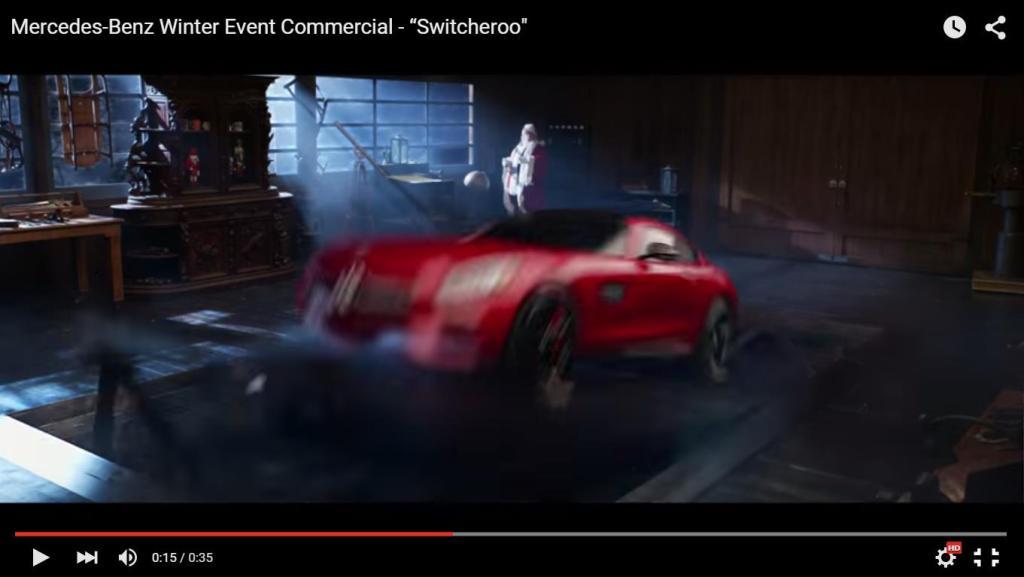 Der gute alte Schlitten wird ausgetauscht gegen einen Mercedes-AMG GT S Santa Claus Edition (Bild: Video Daimler AG)