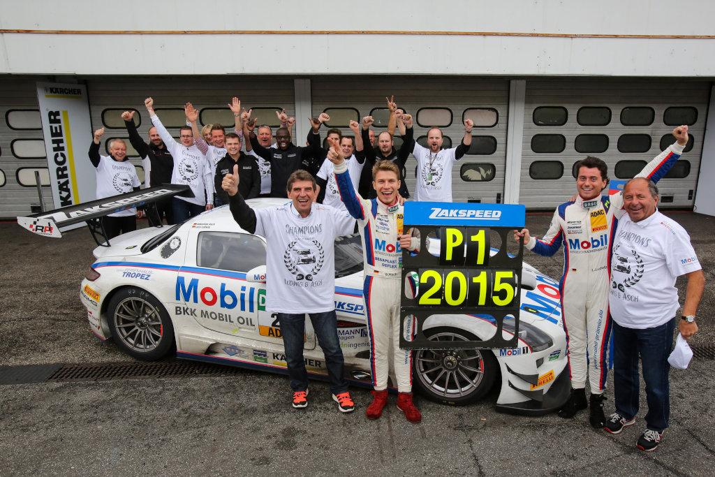 ADAC GT Masters - Luca Ludwig und Sebastian Asch sind Meister (Bild: Daimler AG)