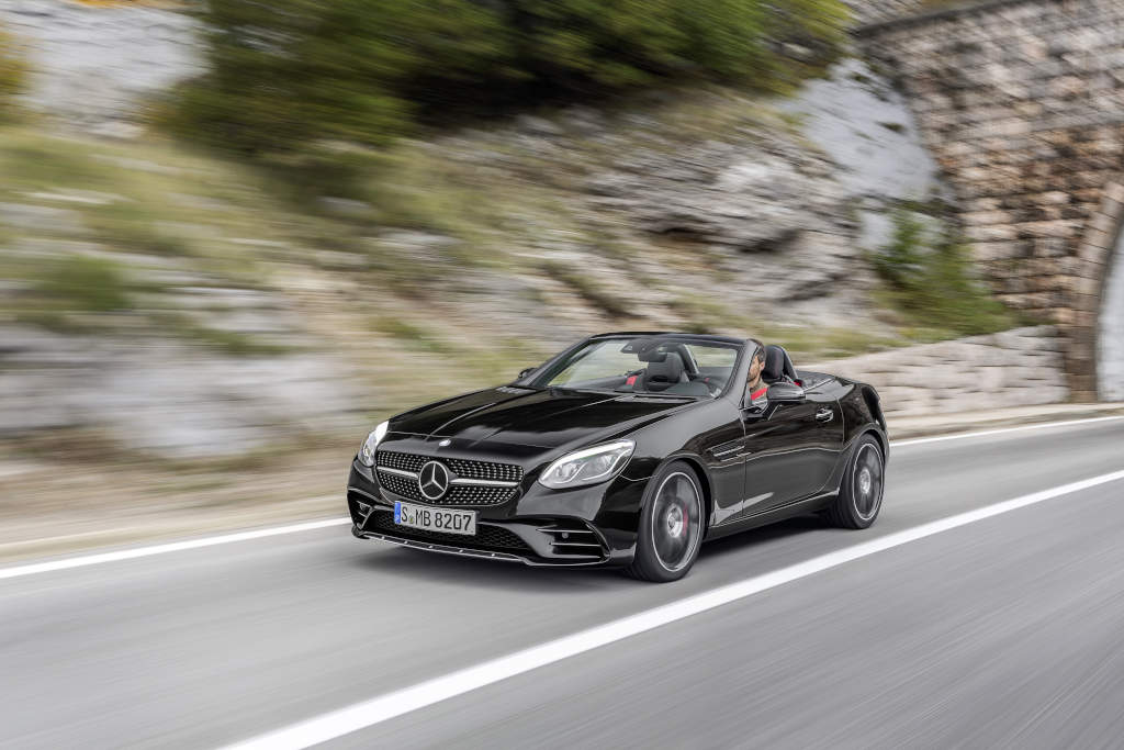 Mercedes-AMG SLC 43, obsidianschwarz mettalic (Bild: Daimler AG)