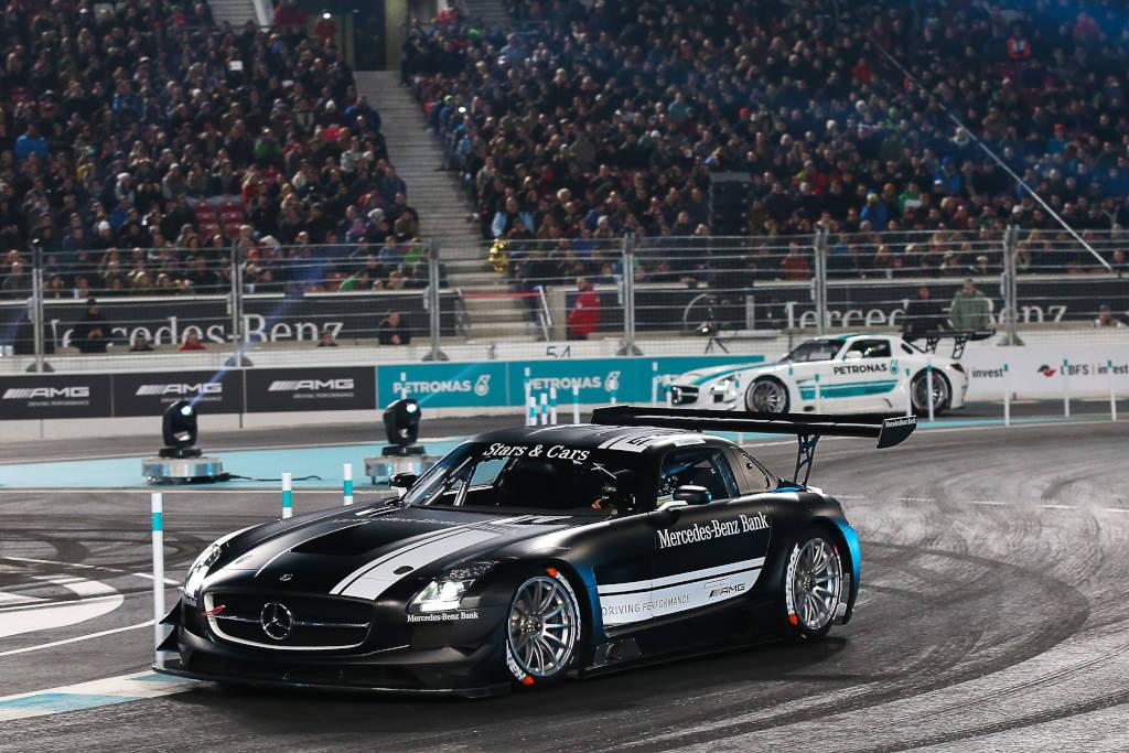 Stars & Cars 2015 Finale, Daniel Juncadella (Mercedes DTM Fahrer) , Pascal Wehrlein (DTM-Meister 2015) (Bild: Daimler AG)