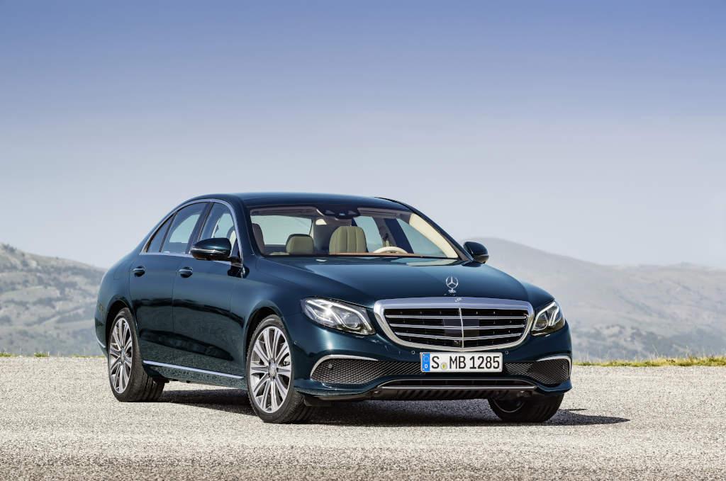 E 350 e, EXCLUSIVE, kallaitblau (Bild: Daimler AG)