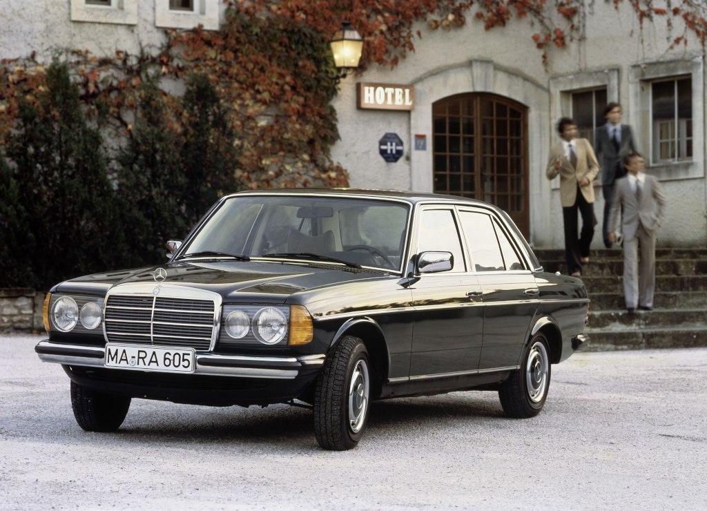 Der Mercedes 230, Baureihe W123 (Bild: Daimler AG)