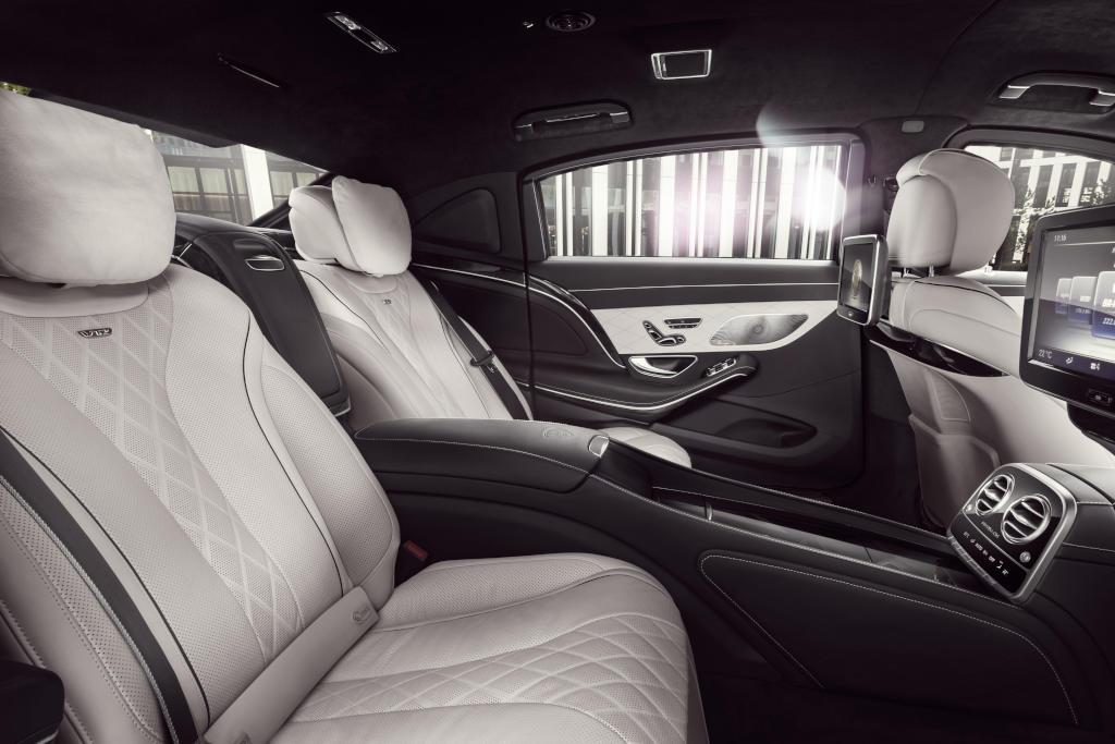 Mercedes-Maybach S 600 Guard - die Fondsitze rücken nach hinten (Bild: Daimler AG)