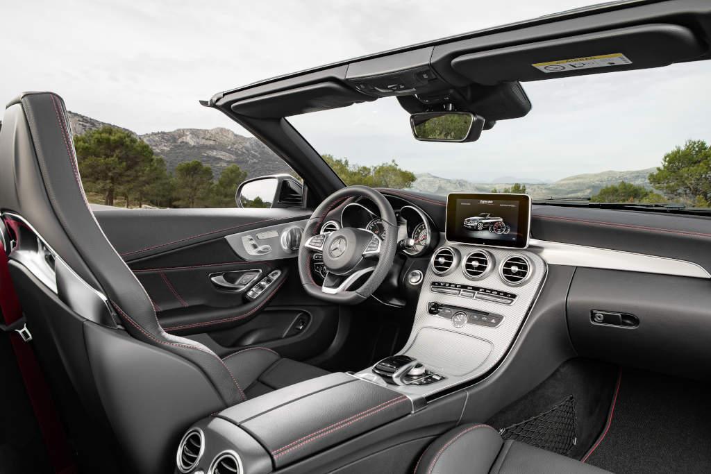 C 43 4MATIC Cabriolet;  Exterieur: Obsidianschwarz; Interieur: Leder schwarz (Bild: Daimler AG)