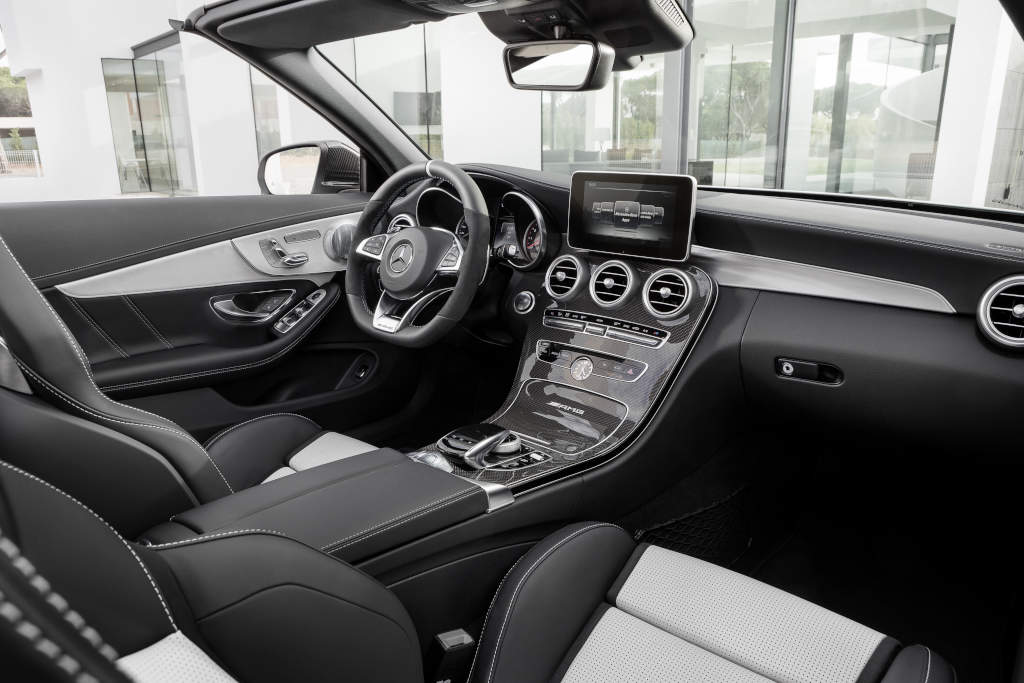 Mercedes-AMG C 63 S Cabriolet( A 205); 2016; Interieur: AMG Leder Nappa platinweiß pearl/Schwarz (Bild: Daimler AG)