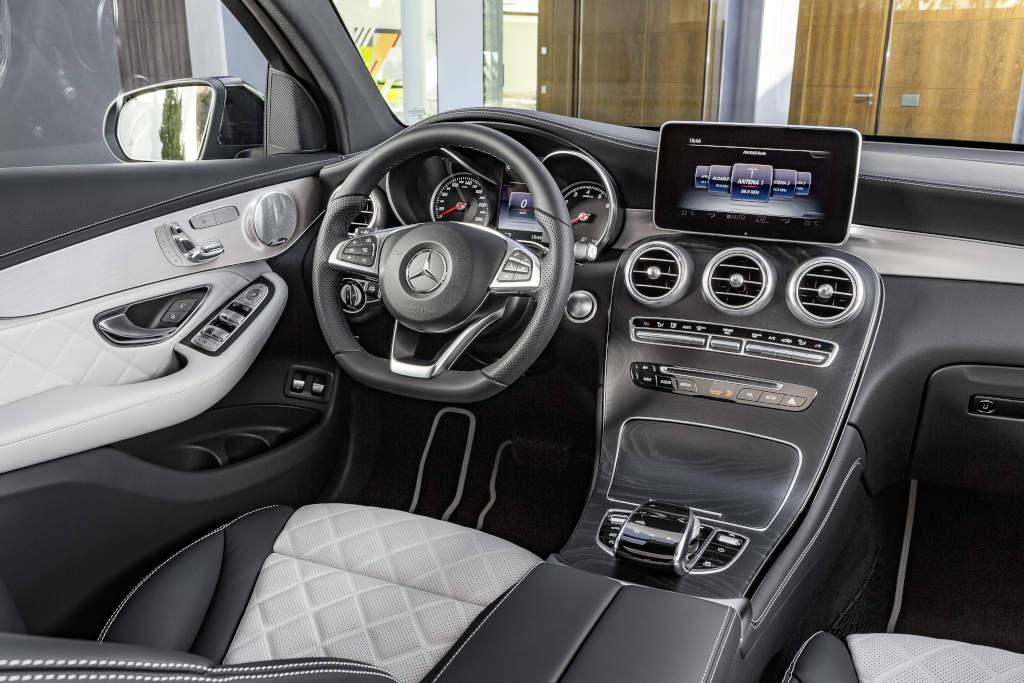 Mercedes-Benz GLC Coupé. Innenausstattung  Designo Platinweiss/Schwarz (Bild: Daimler AG)