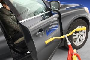 Kiekerts i-protect: Ein Sensorsystem zur Umfelderkennung und ein Türbremssystem zeichnen i-protect aus und sichern eine Kollisionsvermeidung (Bild: Kieckert AG)