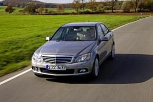 Rückruf bei der C-Klasse W 204 der Baujahre 2006 bis 2009 wegen Problemen mit dem SRS Steuergerät (Bild: Daimler AG)