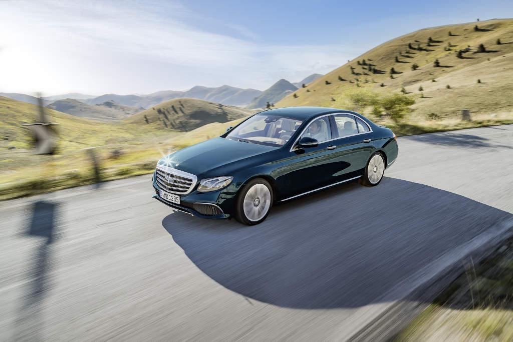 Mercedes-Benz E-Klasse W 213. Ja, tatsächlich, keine C- oder S-Klasse, es ist die E-Klasse. Technisch ein Highlight, Optisch kaum zu unterscheiden (Bild: Daimler AG)