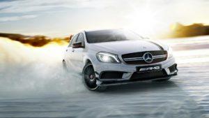 Winterreifen sollen auch wirklich wintertauglich werden - sonst machts keinen wirklichen Spaß (Bild: Daimler AG)