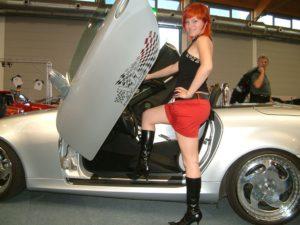 Zu sexy für China? Sexy Lady auf dem MBSLK-Stand bei der Tuning World 2005 (Bild: MBSLK)