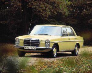 """Mercedes-Benz E-Klasse W 115/ W 114 1968 bis 1976, """"Strich-Acht"""" (Bild: Daimler AG)"""