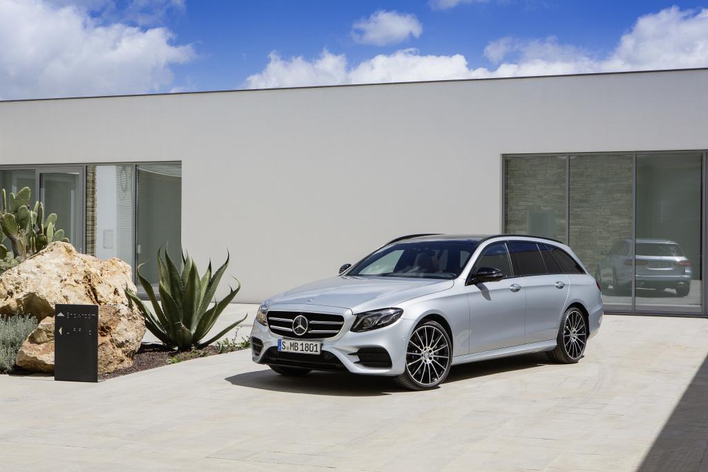 Mercedes-Benz E-Klasse T-Modell, S 213, Exterieur: AMG Line, diamantsilber (Bild: Daimler AG)