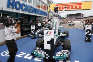 Nico Rosberg siegt beim Deutschland GP (Bild: Daimler AG)