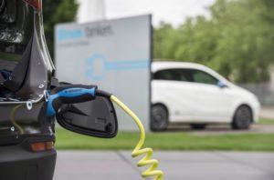 Die Angaben zu Reichweiten bei E-Autos sind fragwürdig (Bild: Daimler AG)